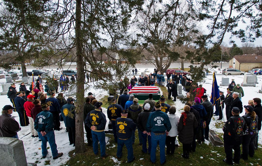 Veteran Burial 01