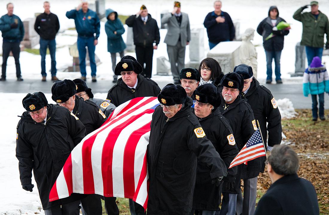 Veteran Burial 02