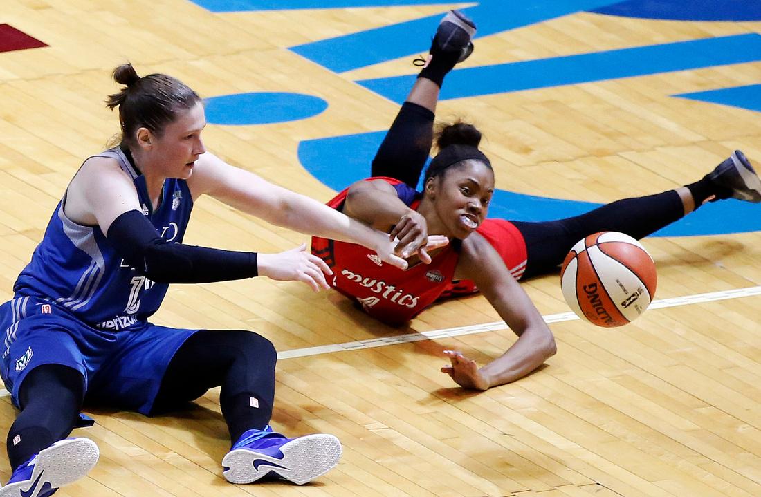 Lynx vs. Mystics Basketball 02